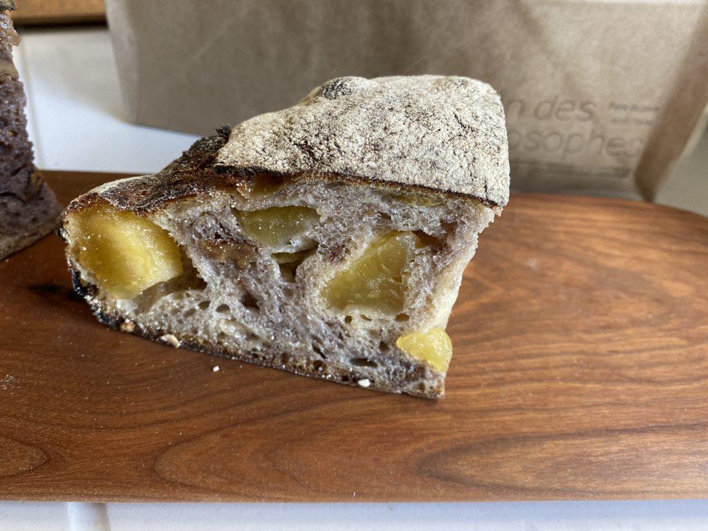 おすすめパン屋、神楽坂「パン デ フィロゾフ」の白ワインのカンパーニュ